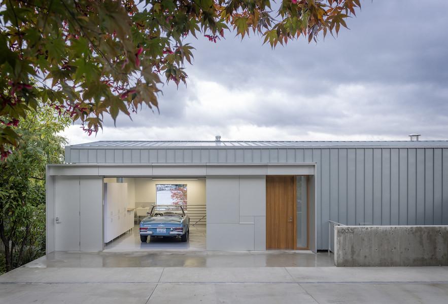 Garage gestalten  Portage Bay Home by Heliotrope Architects | Gestalten